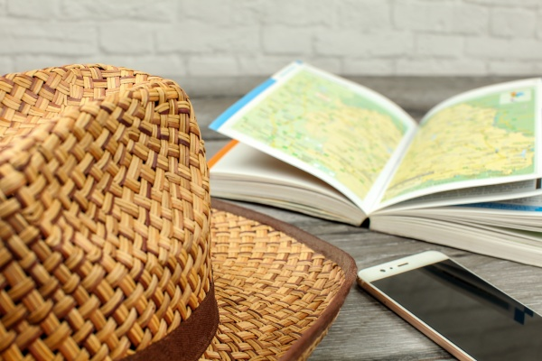 straw hat guide book with map